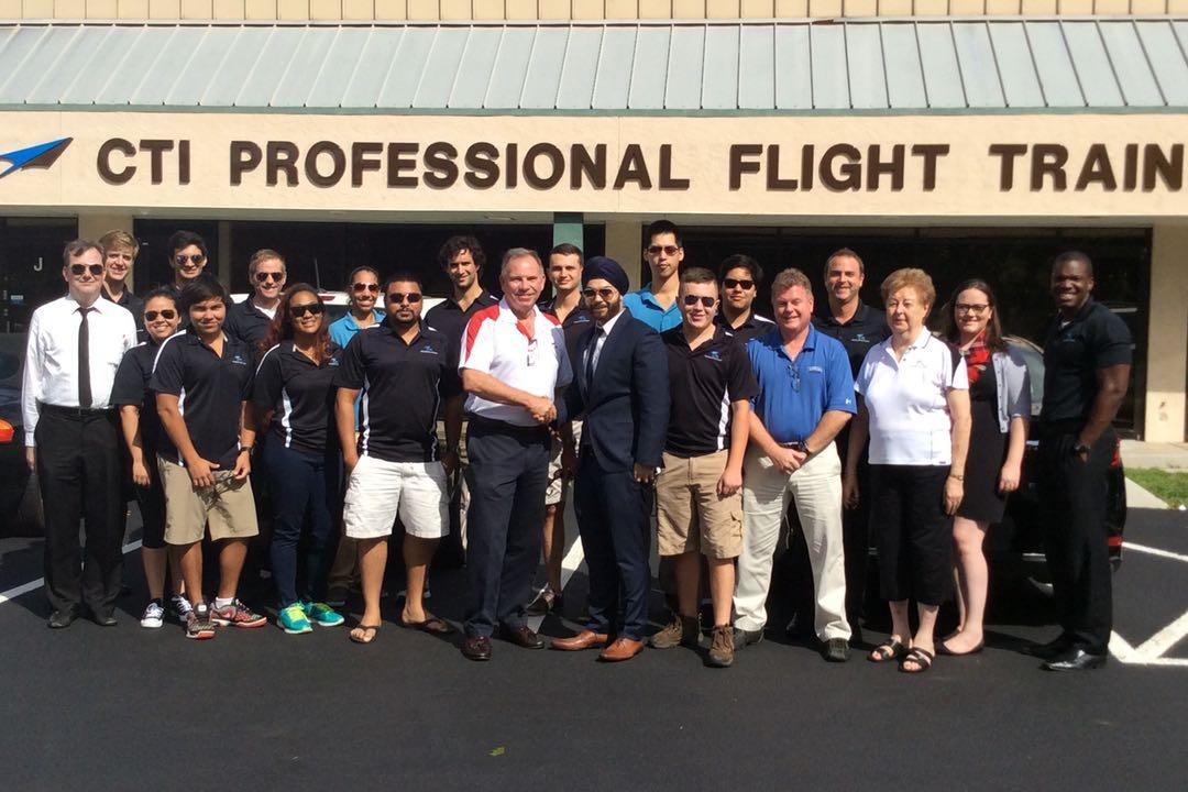 Hm Aviation Students Cti Professional Flight Training