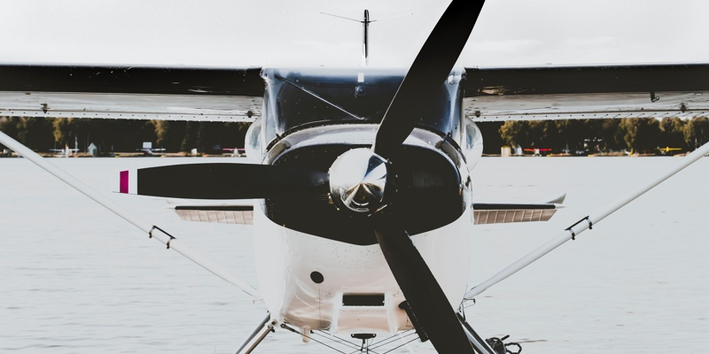 what to look for in a flight school